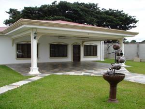 Casa En Ventaen San Joaquin De Flores De Heredia, Heredia, Costa Rica, CR RAH: 18-531