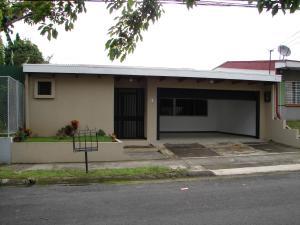 Casa En Alquileren Curridabat, Curridabat, Costa Rica, CR RAH: 18-535