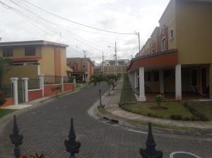 Casa En Ventaen Tres Rios, La Union, Costa Rica, CR RAH: 18-563