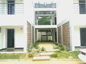 Apartamento En Alquileren Belen, Belen, Costa Rica, CR RAH: 18-570