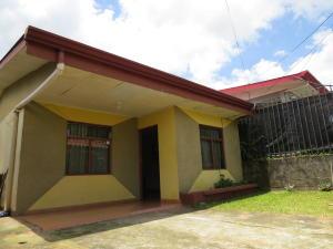 Casa En Ventaen San Joaquin De Flores De Heredia, Palmares, Costa Rica, CR RAH: 18-624