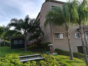 Apartamento En Alquileren Pozos, Santa Ana, Costa Rica, CR RAH: 18-627