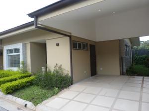 Casa En Alquileren Santa Ana, Santa Ana, Costa Rica, CR RAH: 18-639