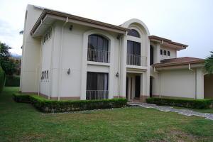 Casa En Ventaen Santa Ana, Santa Ana, Costa Rica, CR RAH: 18-703