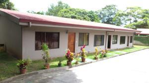 Apartamento En Alquileren Rio Oro, Santa Ana, Costa Rica, CR RAH: 18-634