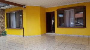 Casa En Ventaen Desamparados, Alajuela, Costa Rica, CR RAH: 18-692