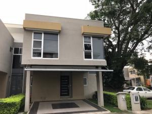 Casa En Ventaen Pozos, Santa Ana, Costa Rica, CR RAH: 18-698