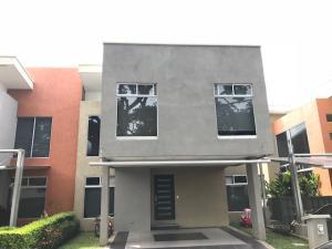 Casa En Ventaen Pozos, Santa Ana, Costa Rica, CR RAH: 18-708