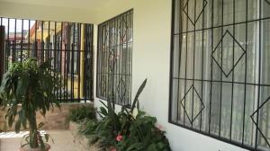 Casa En Ventaen San Isidro, Vazquez De Coronado, Costa Rica, CR RAH: 18-725