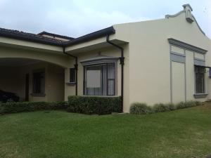 Casa En Ventaen San Antonio, Belen, Costa Rica, CR RAH: 18-729