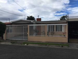 Casa En Ventaen Moravia, Moravia, Costa Rica, CR RAH: 18-736