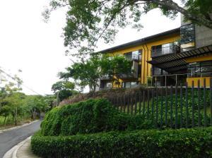 Apartamento En Ventaen Brasil De Santa Ana, Santa Ana, Costa Rica, CR RAH: 18-751