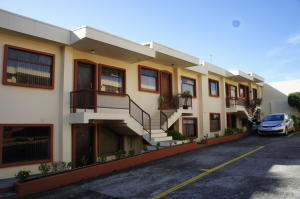 Apartamento En Ventaen San Francisco De Dos Rios, San Jose, Costa Rica, CR RAH: 18-762
