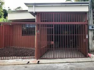 Casa En Ventaen San Miguel, Desamparados, Costa Rica, CR RAH: 18-773