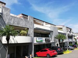Oficina En Alquileren Santa Ana, Santa Ana, Costa Rica, CR RAH: 18-774