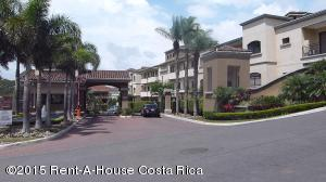 Apartamento En Alquileren Pozos, Santa Ana, Costa Rica, CR RAH: 18-800