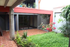 Apartamento En Alquileren Escazu, Escazu, Costa Rica, CR RAH: 18-809