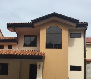 Casa En Ventaen Santo Domingo, Santo Domingo, Costa Rica, CR RAH: 18-815