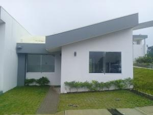 Casa En Ventaen La Guacima, Alajuela, Costa Rica, CR RAH: 18-817