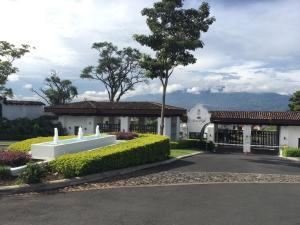 Apartamento En Ventaen Ulloa, Heredia, Costa Rica, CR RAH: 18-844