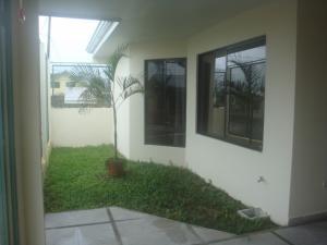 Apartamento En Ventaen Guapiles, Pococi, Costa Rica, CR RAH: 18-881