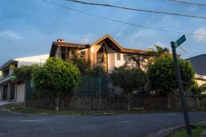 Casa En Ventaen Rohrmoser, San Jose, Costa Rica, CR RAH: 18-885