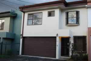 Casa En Alquileren San Juan, La Union, Costa Rica, CR RAH: 18-913