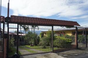 Casa En Ventaen Santa Barbara, Santa Barbara, Costa Rica, CR RAH: 18-907