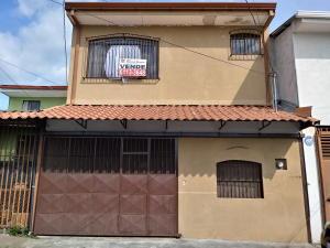 Casa En Ventaen Tibas, Tibas, Costa Rica, CR RAH: 18-803