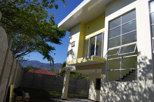 Apartamento En Alquileren Santa Ana, Santa Ana, Costa Rica, CR RAH: 18-926