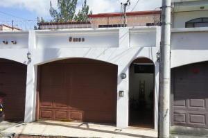 Casa En Alquileren Lomas De Ayarco Sur, La Union, Costa Rica, CR RAH: 18-933