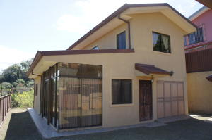 Casa En Alquileren Brasil De Santa Ana, Santa Ana, Costa Rica, CR RAH: 18-943