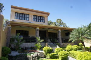 Casa En Alquileren Santa Ana, Santa Ana, Costa Rica, CR RAH: 18-962