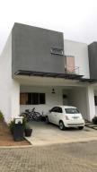 Casa En Ventaen Ciudad Colon, Mora, Costa Rica, CR RAH: 18-961