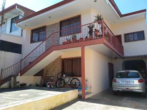 Edificio En Ventaen Guadalupe, Goicoechea, Costa Rica, CR RAH: 18-979