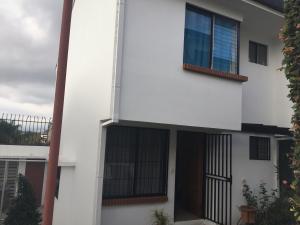 Apartamento En Ventaen Guadalupe, Goicoechea, Costa Rica, CR RAH: 18-982
