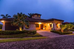 Casa En Ventaen La Guacima, Alajuela, Costa Rica, CR RAH: 19-16