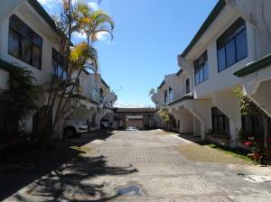 Apartamento En Alquileren Curridabat, Curridabat, Costa Rica, CR RAH: 19-21