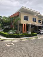 Casa En Ventaen Pozos, Santa Ana, Costa Rica, CR RAH: 19-36