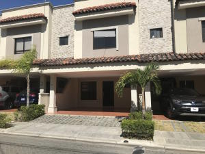 Casa En Alquileren Santa Ana, Santa Ana, Costa Rica, CR RAH: 19-45