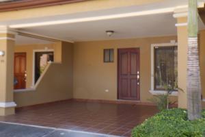 Casa En Alquileren Pozos, Santa Ana, Costa Rica, CR RAH: 19-46