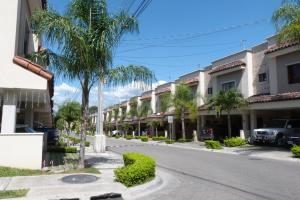 Casa En Ventaen Santa Ana, Santa Ana, Costa Rica, CR RAH: 19-67