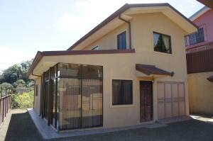 Casa En Ventaen Brasil De Santa Ana, Santa Ana, Costa Rica, CR RAH: 19-91