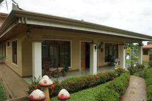 Casa En Ventaen Desamparados, San Mateo, Costa Rica, CR RAH: 19-102