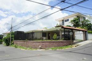 Casa En Ventaen Brasil De Santa Ana, Santa Ana, Costa Rica, CR RAH: 19-104