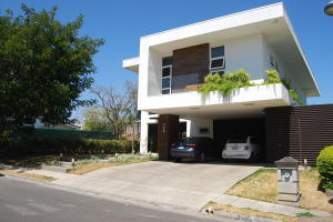 Casa En Ventaen Pozos, Santa Ana, Costa Rica, CR RAH: 19-131