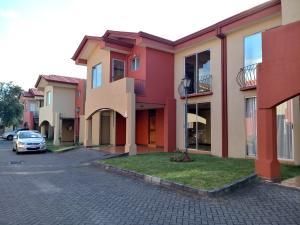 Apartamento En Ventaen Moravia, Moravia, Costa Rica, CR RAH: 19-138