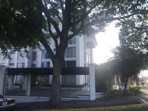 Apartamento En Alquileren Sabana, San Jose, Costa Rica, CR RAH: 19-166
