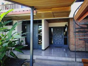 Edificio En Ventaen Bello Horizonte, Escazu, Costa Rica, CR RAH: 19-168