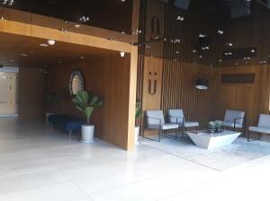 Apartamento En Ventaen Rohrmoser, San Jose, Costa Rica, CR RAH: 19-179